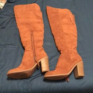 Knee high faux suede high heeled boots 8